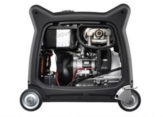 Honda 6.5kva inverter generator vs. the Yamaha EF6300iS: the service lids can easily be removed for any maintenance or oil changing
